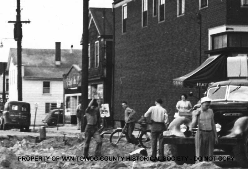929 s 10th st manitowoc tavern history for 10th street salon